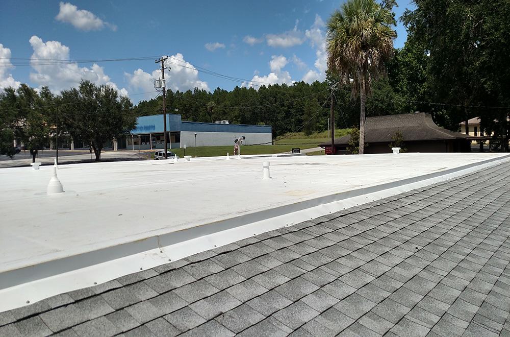 TPO Flat Roof With Shingle Walkway